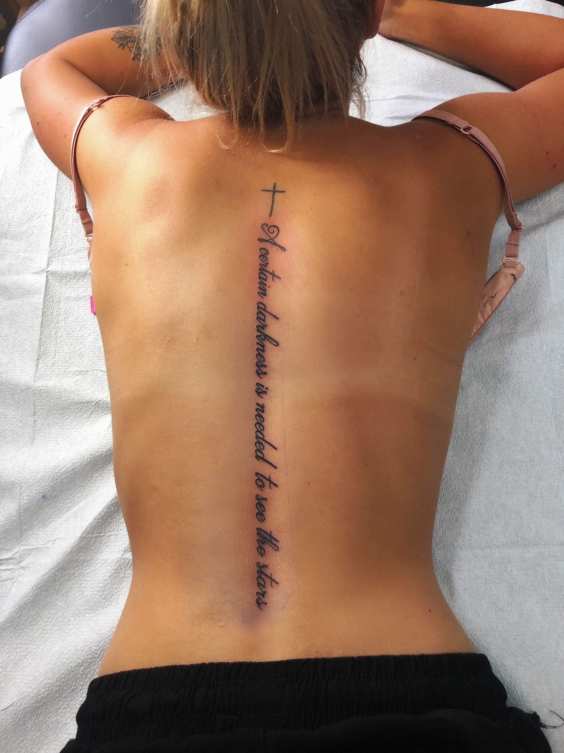 20 Unique and Beautiful Back Tattoos For Women/Girls   KnowInsiders