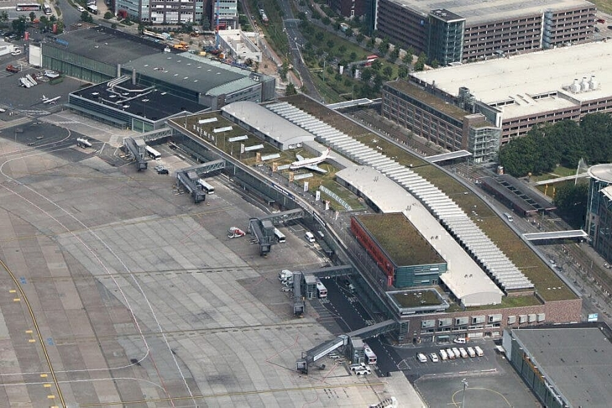 Top 9 World's Oldest Airports