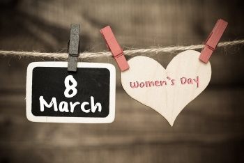 9 Wonderful Gifts for Sisters on Women's Day (March 8)