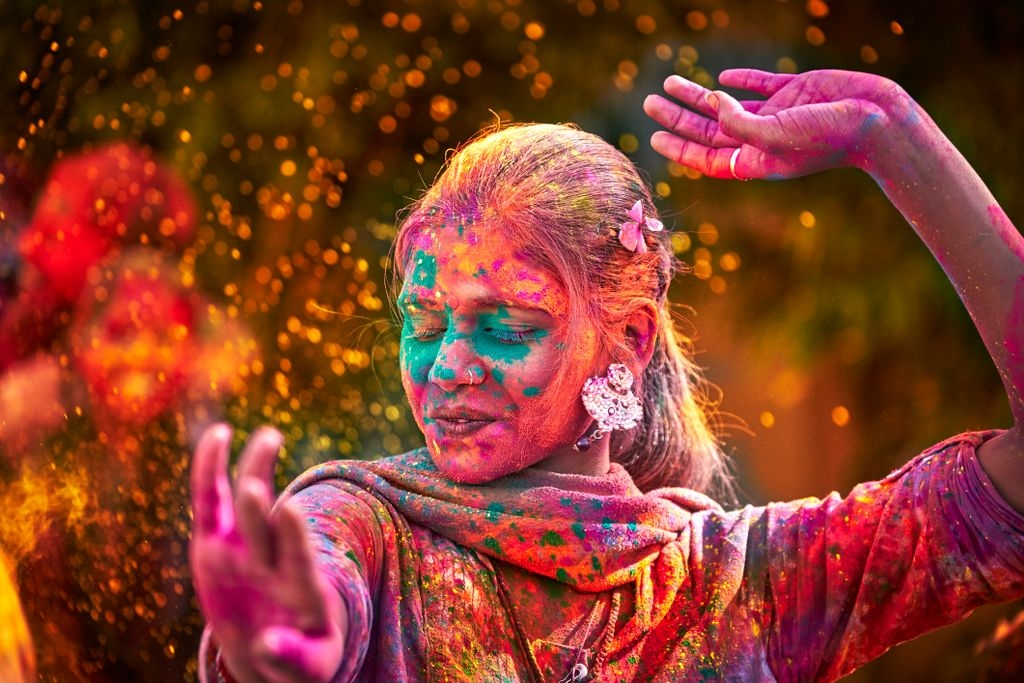 Holi, the color festival in India. Photo: Glamping Hub