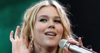 Who is Joss Stone: Biography, Career, Husband, Children and Personal Life